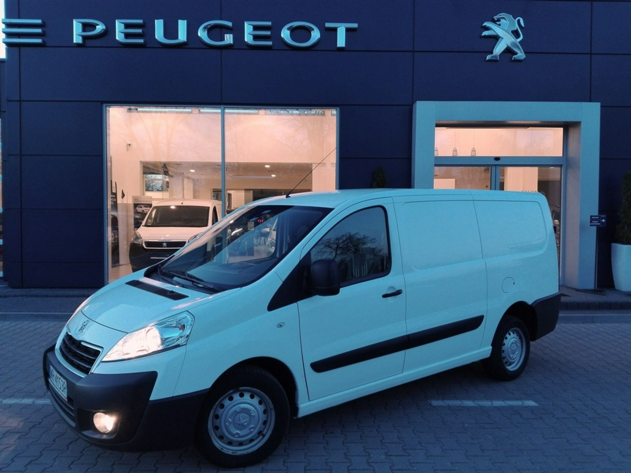 peugeot expert furgon blaszak 229 l2h1 samoch d u ywany z gwarancj auto z salonu peugeot. Black Bedroom Furniture Sets. Home Design Ideas