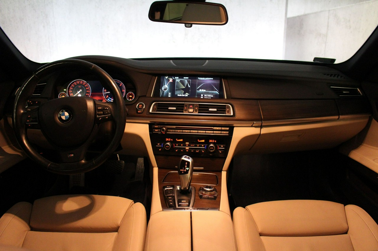 BMW 740D xDrive | Pakiet Sportowy M | Surround View | LED_3