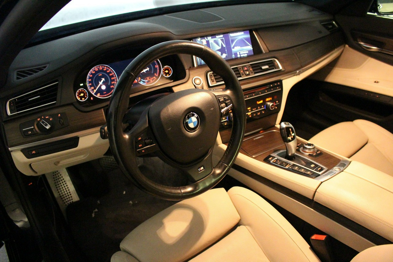 BMW 740D xDrive | Pakiet Sportowy M | Surround View | LED_4